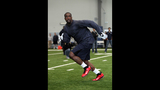 Brian Banks' workout for the Seahawks - (1/3)