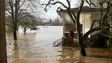 Downpour floods Western Wash., triggers slides - (4/25)