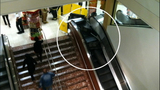 Escalator failure shocks holiday shoppers - (6/10)