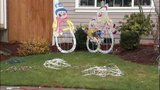 Holiday decorations, cars vandalized in Spanaway - (9/10)