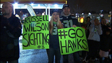 Fans greet returning Seahawks - (4/12)