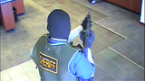 'AK-47 Bandit' caught on camera - (9/11)