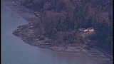 Whidbey Island homes threatened by landslide - (11/21)
