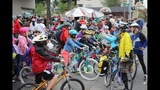 Scenes from National Bike to School Day in Seattle - (4/8)