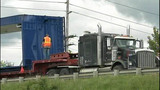 Semi-trailer carrying drilling equipment… - (6/9)