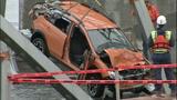 Vehicles, bridge debris pulled from Skagit River - (23/25)