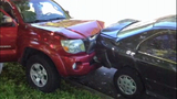 Speeding SUV crashes into parked cars - photos - (6/8)