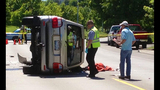 Speeding SUV crashes into parked cars - photos - (3/8)