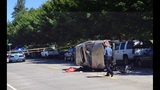 Speeding SUV crashes into parked cars - photos - (5/8)