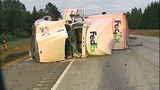 Flipped semi truck halts traffic in Snohomish… - (6/16)