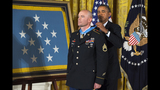 PHOTOS: Obama gives the Medal of Honor - (14/16)