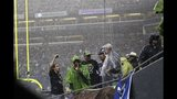 PHOTOS: Seahawks defeat 49ers 29-3 in home opener - (5/25)