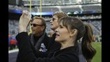 Photos: Making the scene at Super Bowl XLVIII - (22/25)
