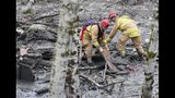 PHOTOS: Responders at scene of deadly Oso mudslide - (23/25)