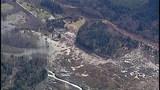 PHOTOS: Chopper 7 over devastating landslide - (17/25)