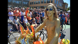 SeattleInsider: PHOTOS: Naked cyclists and… - (7/25)