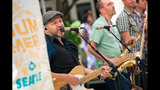 SeattleInsider: PHOTOS: Out to Lunch Concert Series - (2/14)