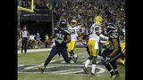 PHOTOS: Seahawks beat Packers 36-16 in… - (11/25)