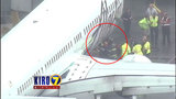Pilot hears worker trapped in cargo hold of Alaska Air flight, makes emergency landing _7108751