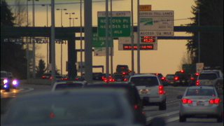 Report: I-405 tolls making traffic worse in general purpose lanes