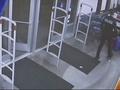 VIDEO: Teen takes down shoplifter