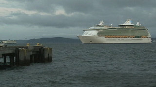 First cruise ship of season sails into Port of Seattle