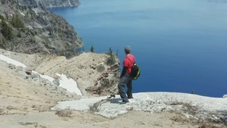 2 Seattle-area hikers rescued from shoreline of Crater Lake