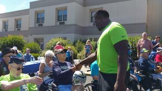 Seahawks players surprise veteran residents at Spokane Veterans Home