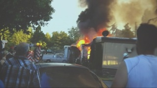 2 mobile homes destroyed, 20 people displaced after SeaTac fire