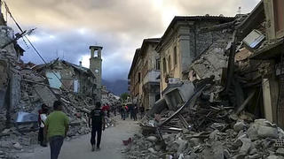 Strong quake rattles central Italy, at least 11 dead
