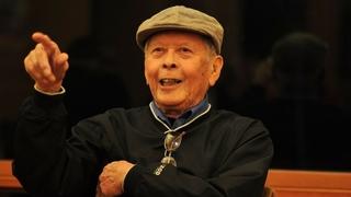Beloved civic leader Bob Santos dies at 82