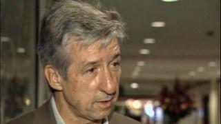 Anti-Vietnam War activist Tom Hayden dies
