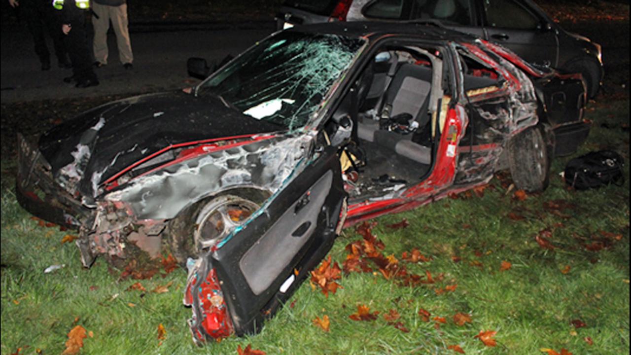 Man killed, 2 women hurt in Centralia 1-car crash   KIRO-TV