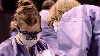Large health clinic offers free medical, dental care at Seattle Center