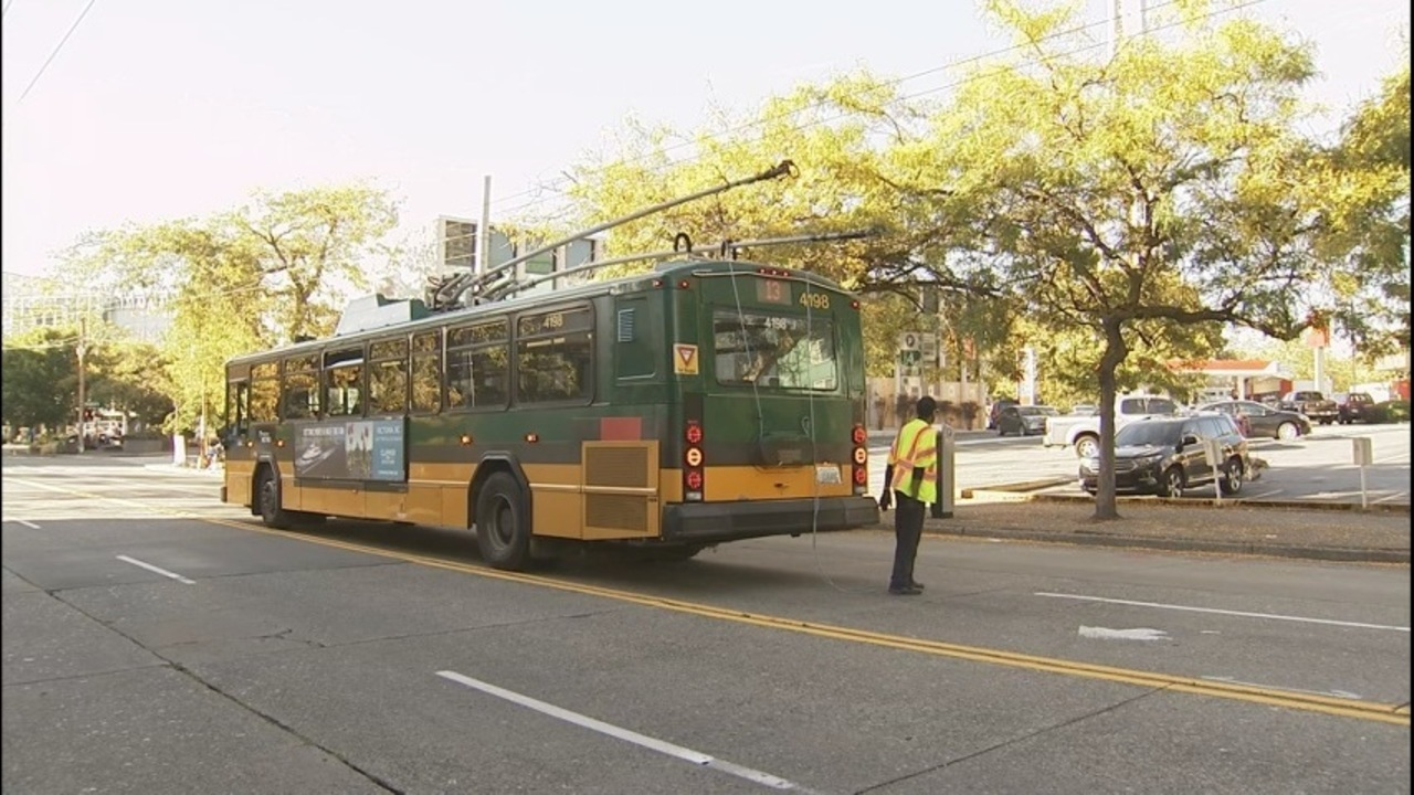 Problems With New Electric Trolley Buses Cause Delayed Commutes C Bus Wiring Cost Safety Kiro Tv
