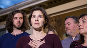 File: Amanda Knox speaks to the media during a brief press conference in front of her parents' home March 27, 2015 in Seattle, Washington.(Photo by Stephen Brashear/Getty Images)