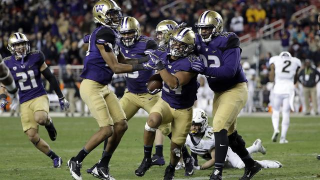 uw huskies to face alabama dec  31 in college football