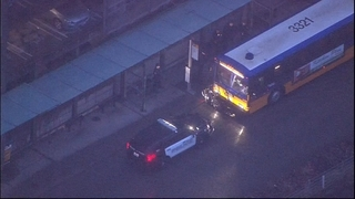 Police: Man in custody after barricading himself inside Metro bus in Bellevue