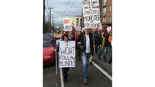Blind woman inspires others walking in Seattle women