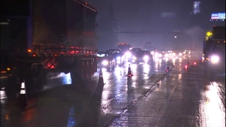 Disabled semi snarls commute on NB I-5 in Federal Way