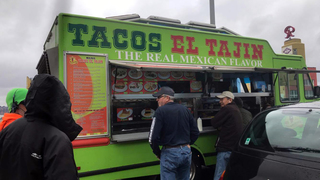 Taco truck on I-5 in Seattle serves lunch to stranded drivers
