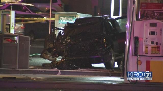 Heavy emergency response in Greenwood after crash | KIRO-TV