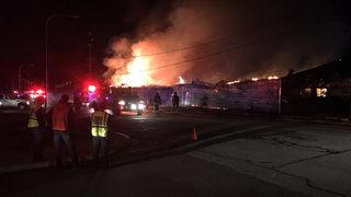 Massive fire rips through Wenatchee warehouse