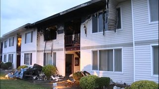 Fire breaks out at Everett apartment complex