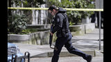 PHOTOS: Two Seattle Police Officers shot… - (32/44)