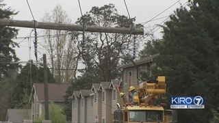 Accident knocked power lines onto I-5