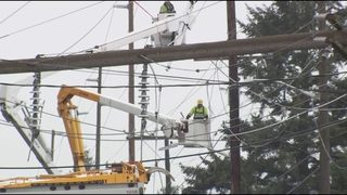 Driver who broke power pole along I-5 faces huge repair bill