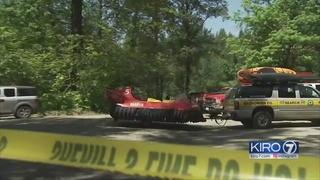 2 men located after canoe flips in Skykomish River