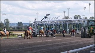 3 jockeys sent to hospital after accident at Emerald Downs
