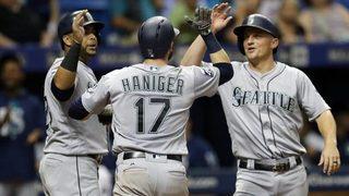 Haniger, Cruz homer in Mariners